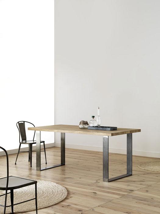 Mesa de forja y madera